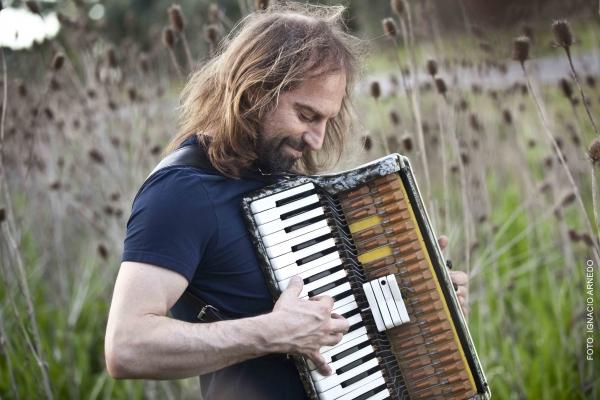 El acordeonista Chango Spasiuk. Foto: Ignacio Arnedo.
